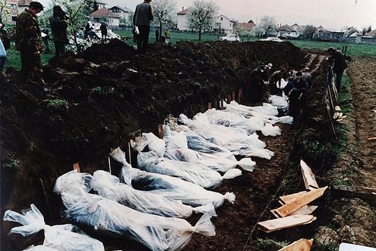 mass-grave-bosnia